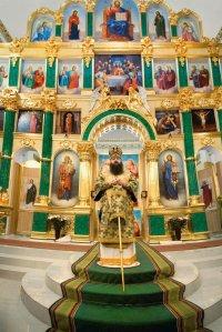 Праздничное богослужение, посвященное 450-летию памяти преп. Нила Столобенского. Епископ Зарайский Меркурий с приветственным словом. Праздничная Литургия